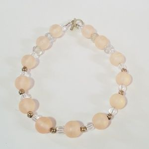 Jewelry - Pink beaded necklace